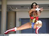 wonder-woman-pose-cosplay-sexy